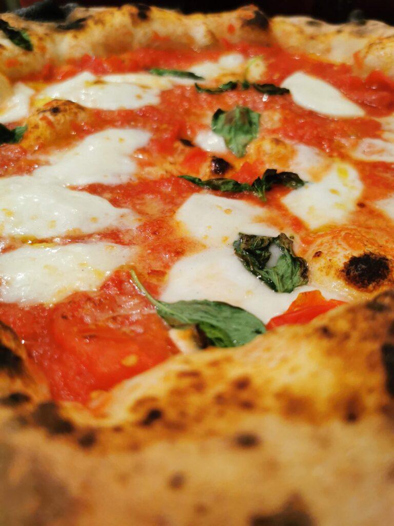 Tre pizzerie da asporto nel Quartiere 1